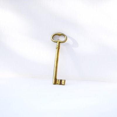 https://www.etsy.com/listing/279466748/skeleton-brass-jail-key-home-decor-large?ref=listing-shop-header-2