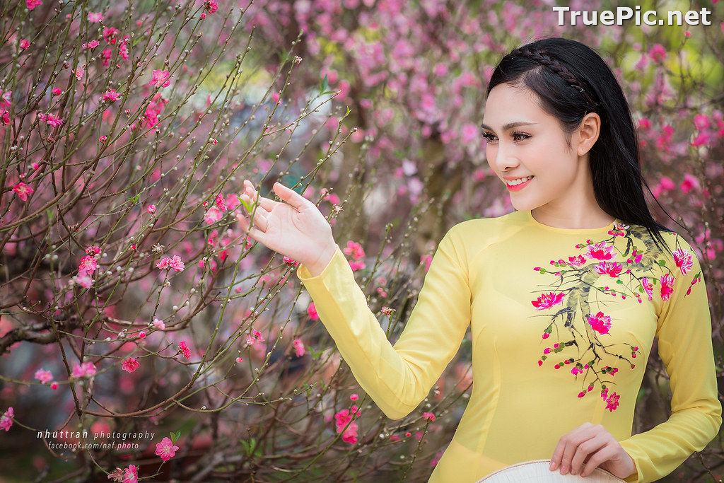 Image The Beauty of Vietnamese Girls with Traditional Dress (Ao Dai) #5 - TruePic.net - Picture-2