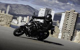 2016 Yamaha MT-03 Review, Little Big Bike !