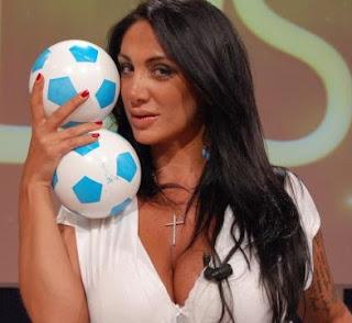 cerita lucu wanita ibarat bola