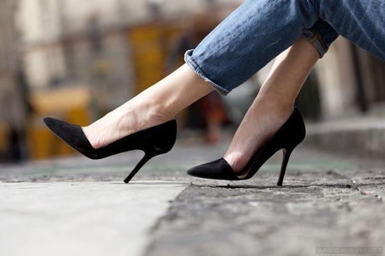 black classic court heels