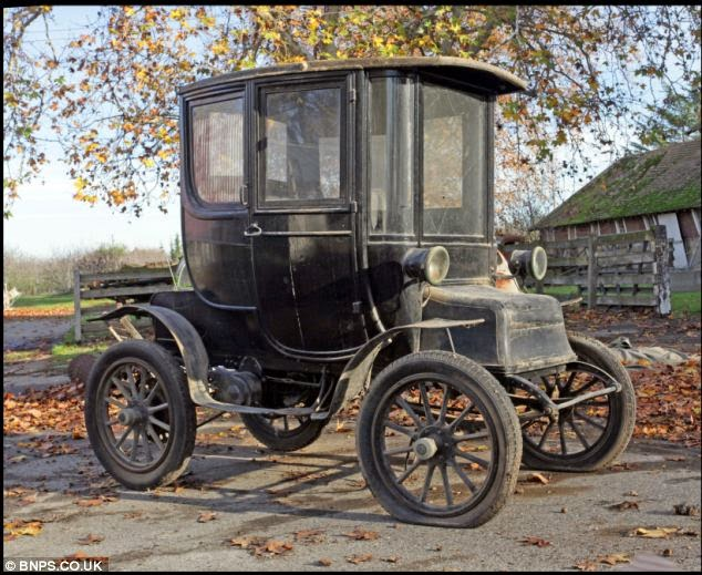 The First Electric Car In World