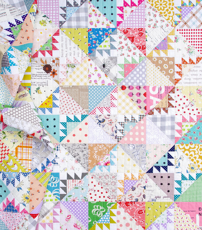 Delectable Mountains Scrap Quilt | © Red Pepper Quilts 2018