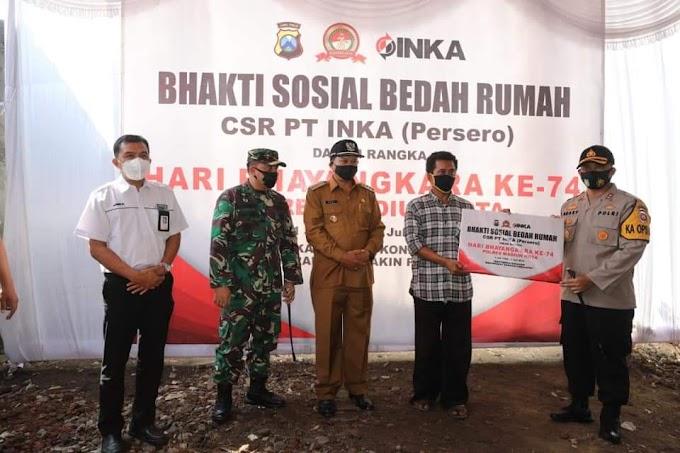 Peringati HUT Bhayangkara ke-74, Polresta Madiun Ikut Turun Tangan Bantu Kesulitan Warga