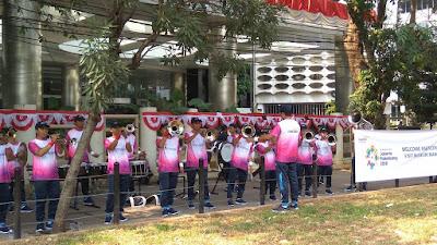 Marching Band Mandiri dengan lantunan lagu-lagu perjuangan (dok.wndhu)