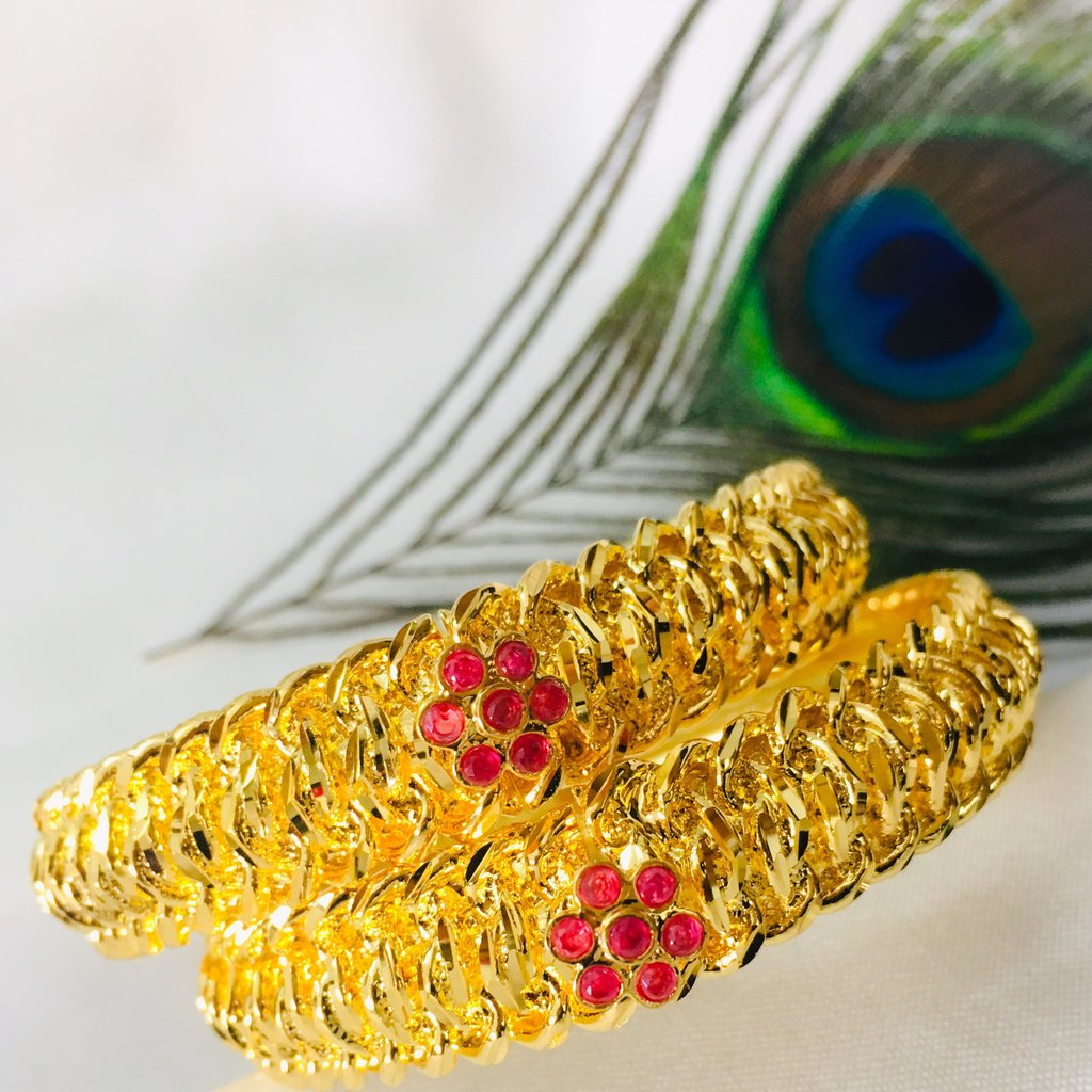 Gahu Tode-Enhance Your Beauty by Wearing Stylish and