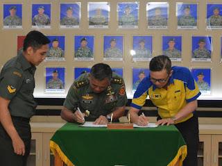 Sofian Tjandra Penandatanganan MoU dengan Mayjen TNI Meris Wiryadi dalam Program Cerdas Anak Kostrad