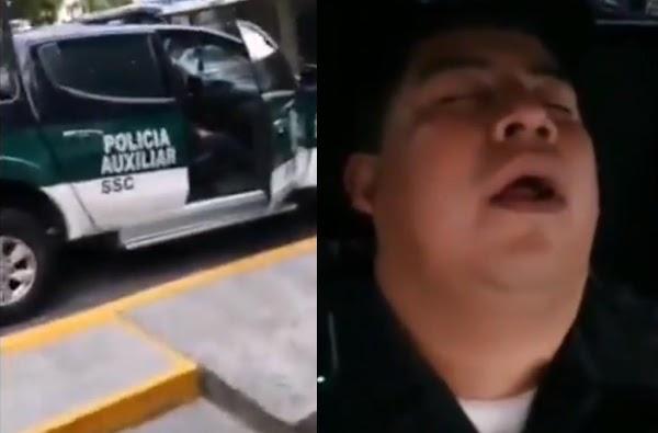 """Captan a  policía de la CDMX durmiendo dentro de su patrulla """"Se escuchaba los ronquidos"""""""