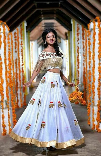 72772fd2171c5e 20 Latest Lehenga Blouse Designs for this wedding season