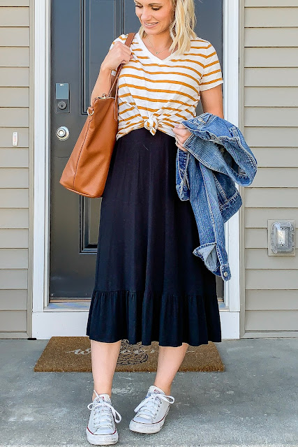 Casual skirt outfit with converse