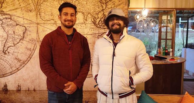 Himanshu & Singer Sonu Nigam at Foresta Café