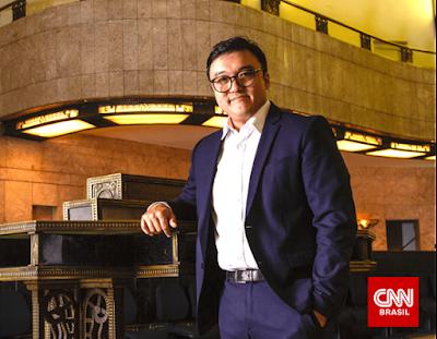 """Fernando Nakagawa, apresentador do programa """"O Grande Debate – Investimentos"""" - Divulgação"""