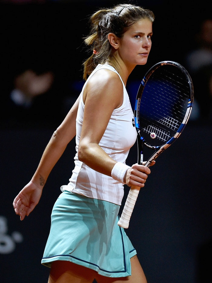 Julia Görges Boobs