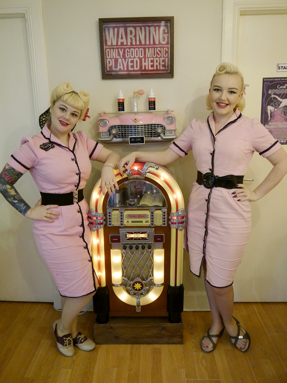 Scottish bloggers, Edinburgh bloggers, Dundee bloggers, vintage style Glasgow, Glasgow vintage, Scottish vintage salon, Glasgow vintage salon, vintage salon, vintage hair, retro hair, pin curls, victory rolls, juke box, pink ladies, PinUps vintage Glasgow, vinate style