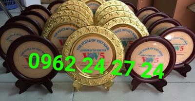 chuyên sản xuất và cung cấp huân chương kháng chiến, cung cấp ve cài áo nhân viên - 273284