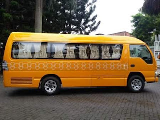 Rental Elf di Padang