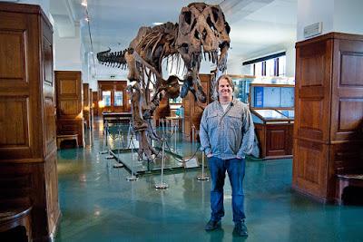 Bilde av professor Jørn Hurum på naturhistorisk museum i oslo