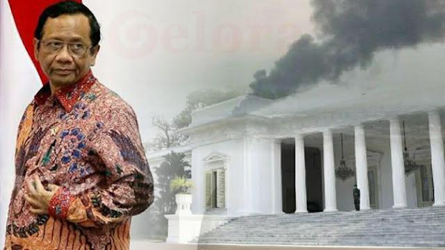 Rocky Gerung: Mahfud MD Siapkan Pintu Darurat karena Istana Berasap