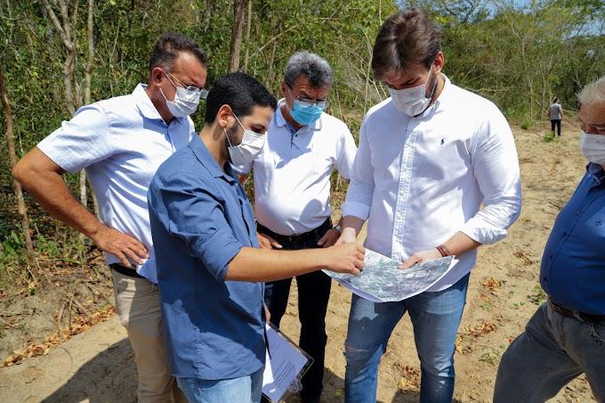 Bruno vistoria área onde será construído o Açude do Covão, com capacidade superior a dois milhões de metros cúbicos d´água
