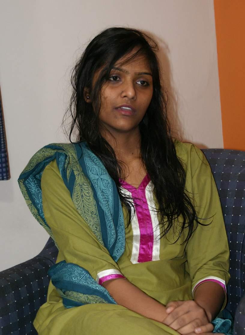 TAMASHA BLOG: Desi Divya 01