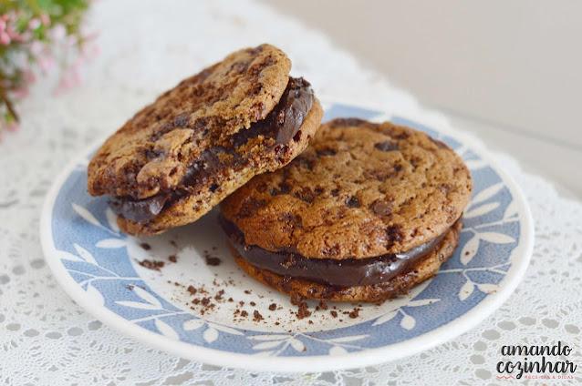 Receita Cookies de ovomaltine recheados com brigadeiro