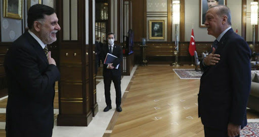 Συνάντηση Ερντογάν-Σάρατζ στην Κωνσταντινούπολη