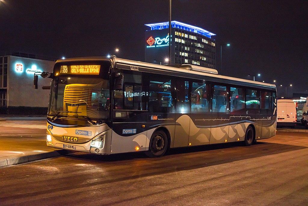 Val-de-Marne : Un bus pris d'assaut par une vingtaine d'individus qui enlèvent un adolescent à bord