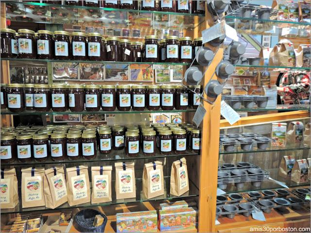 Ingredientes y Utensilios para Cocinar Popovers en la Tienda del Jordan Pond House