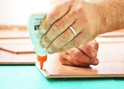 Trucos para eliminar pegamento extra fuerte de la piel