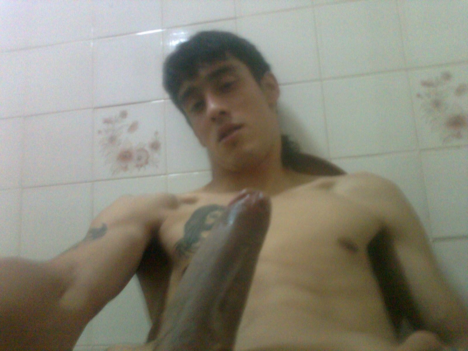 Legal joven desnudo 18