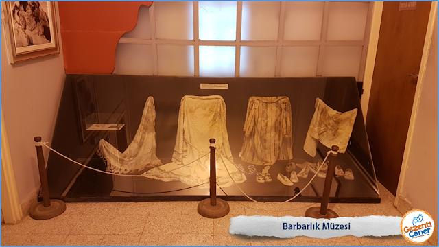 Barbarlik-Muzesi-Kiyafetler