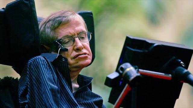 Hawking no cree que la humanidad pueda sobrevivir más de mil años en la Tierra
