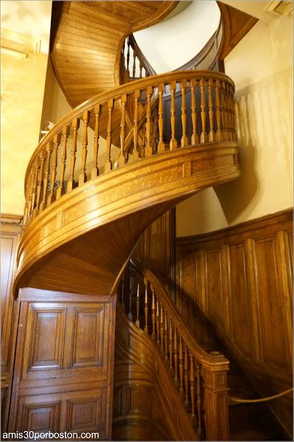 Escaleras Caracol del Servicio en Marble House, Newport