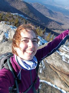 Randonneuse heureuse, sommet Jay Mountain, Adirondaks, point de vue