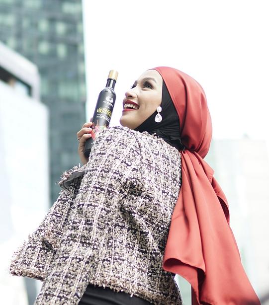 Asyraf Khalid, Jamu Mutyara Beauty, Mutyara Beauty, Datuk Seri Khalid Mohamad Jiwa, Datuk K, Kilafit, Kilafairy, Tya Arifin, Arif Jiwa, Azzahra Jiwa, Datuk Seri Siti Nurhaliza, Lifestyle