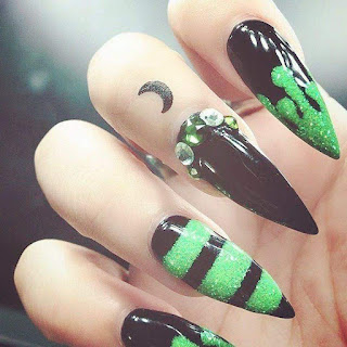 Glow In The Dark Nail Designs