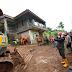 Gubernur Jabar Ridwan Kamil, Meninjau Lokasi Tanah Longsor Di Sumedang