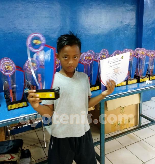 Lumat Unggulan Pertama, M Azka Azam Sabet Gelar Juara Kejurnas Tenis Yunior New Armada Cup XXIV