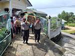 Kapolsek Langsa Timur, Hadiri Pemakaman Anggota Polisi Aceh Timur