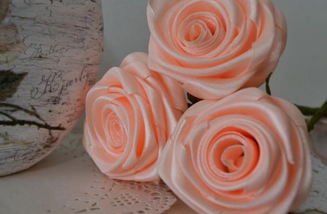 как сделать цветок из ленты