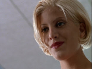 Tori Spelling Deadly Pursuits 1996 movieloversreviews.filminspector.com