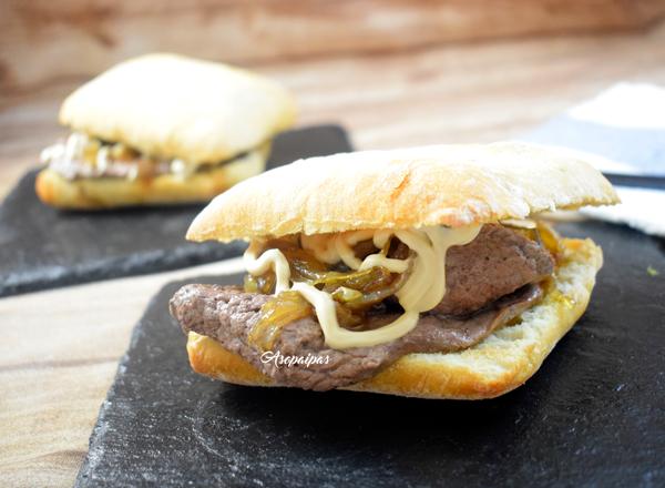 Sándwich de Ternera con Cebolla Caramelizada y Mayonesa de Soja. Vídeo Receta