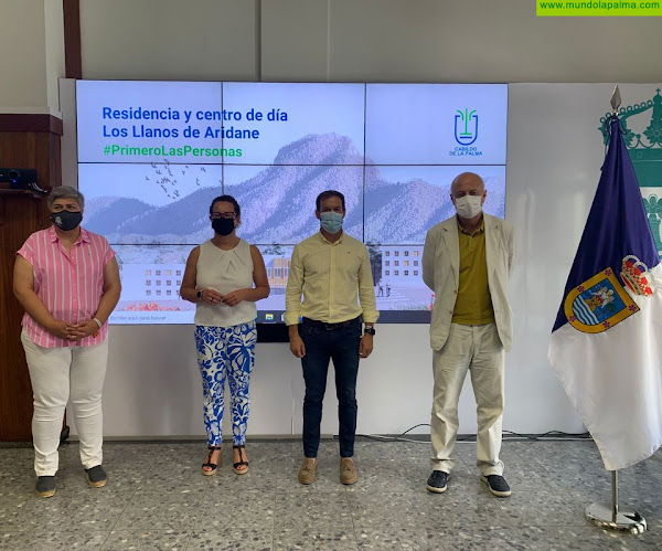 Mariano Zapata califica de ambicioso e innovador el proyecto de la Residencia y Centro de Estancia Diurna en Los Llanos