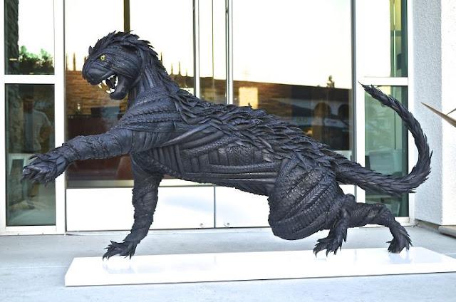 patung macan dari ban bekas yang sangat menakjubkan