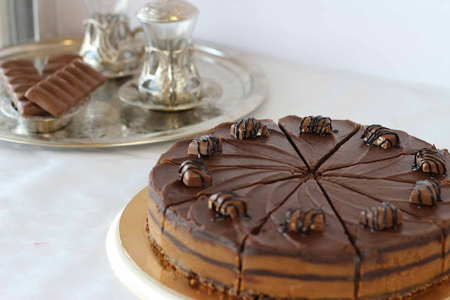 Super-soft-birthday-eggless-chocolate-cake