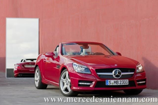 Xe Mercedes Benz SLK 350 AMG màu đỏ 01