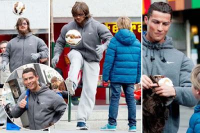 Demi Bermain dengan Anak-anak, Ronaldo Menyamar Jadi Pengemis