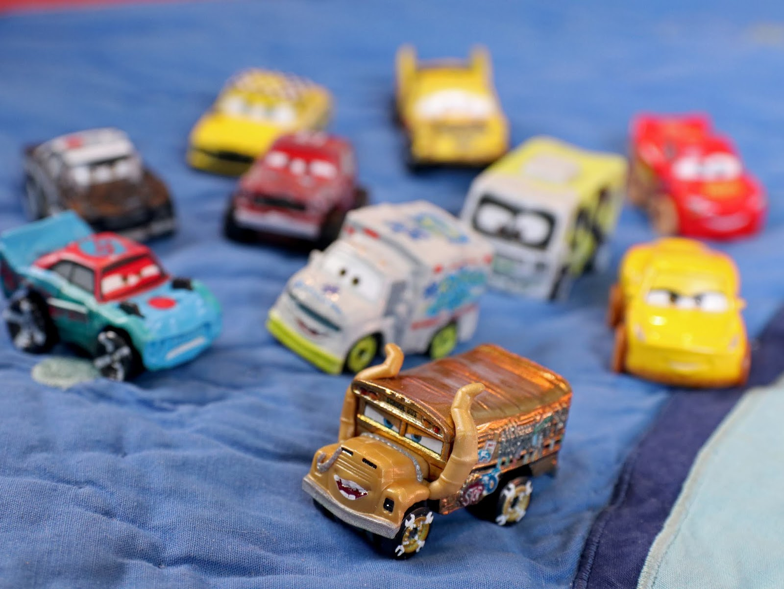 "Cars 3 Mini Racers ""Derby Racers Series 10-Pack"""