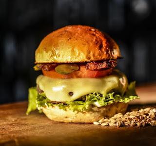 Bubba´s inaugura seu primeiro restaurante na Barra