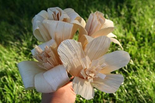 kerajinan bunga dari kulit jagung